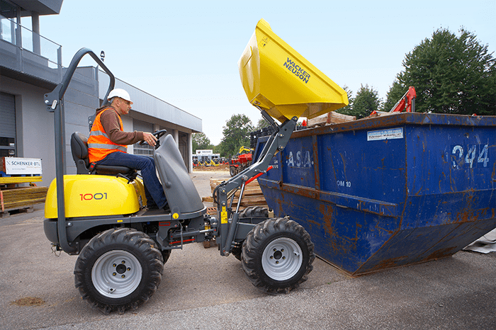 Wacker Neuson wheel dumper 1001 in action
