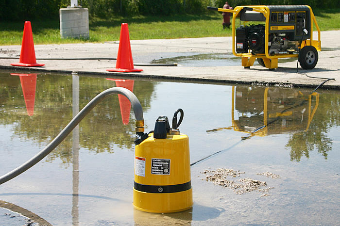 PSR1 500 low level submersible pump in action