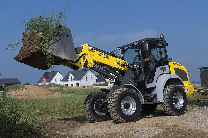 5065T compact telescopic wheel loader in action