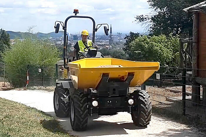 DW30 Wheel Dumper in action