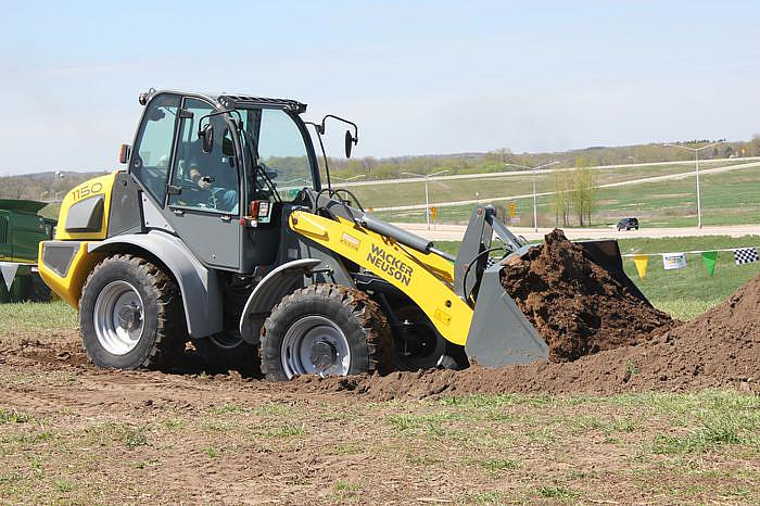 Wacker Neuson 1150LRC in action