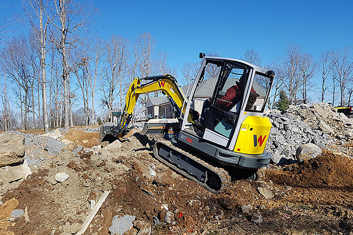 Wacker Neuson compact excavator ET35 in action